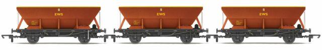 Hornby R6885 OO Gauge EWS HEA Hopper Wagon Triple Pack