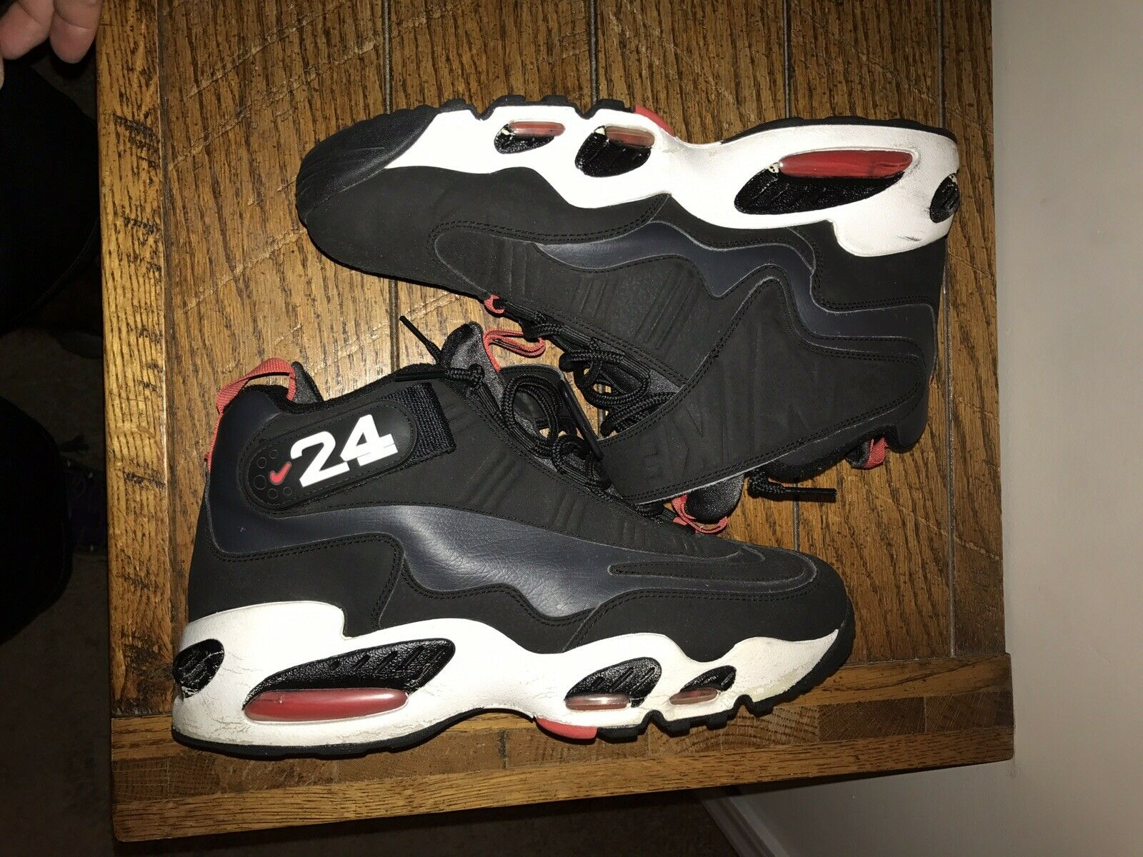 Nike Air Griffey Max 1 Size 10 2011 Athletic shoes