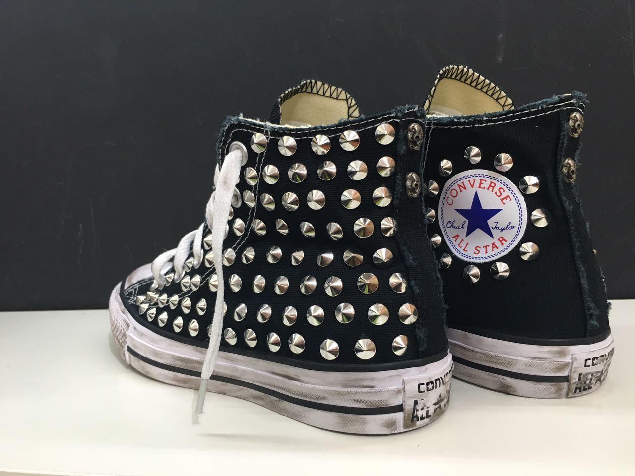 Los últimos zapatos de descuento para hombres y mujeres converse all star borchiate con borchie personalizzate a mano