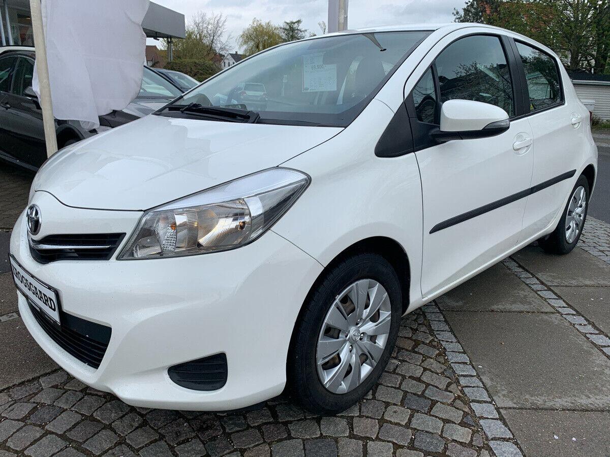 Toyota Yaris 1,3 VVT-i T2 Touch 5d - 69.900 kr.