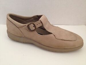 Easy-Spirit-Shoes-Womens-Size-6-B-2A-Beige-Loafers-Mary-Janes-6B-2A-Narrow