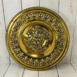 Vintage-Brass-Embossed-Wall-Hanging-Plate-Grapes-Fruit-Made-In-England-12-In