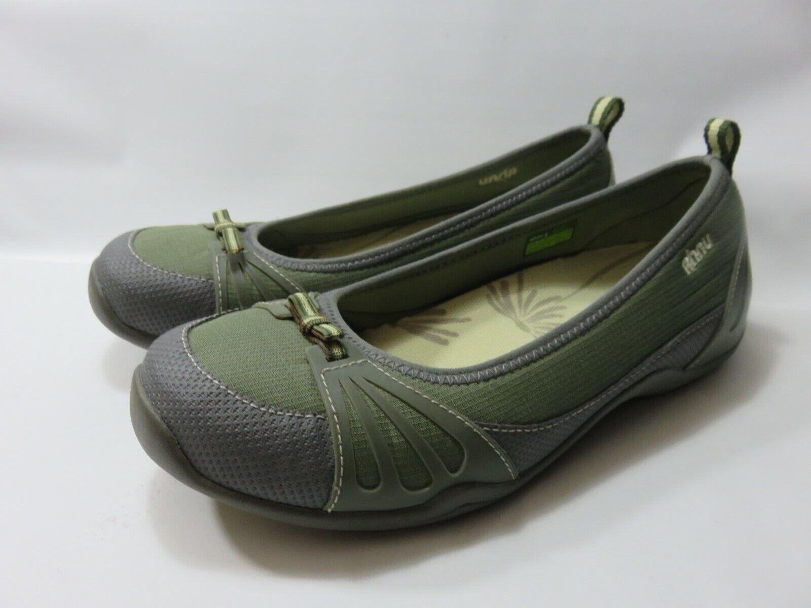 AHNU Olive Green shoes Women's Size (US 8) () Medium Width EUC