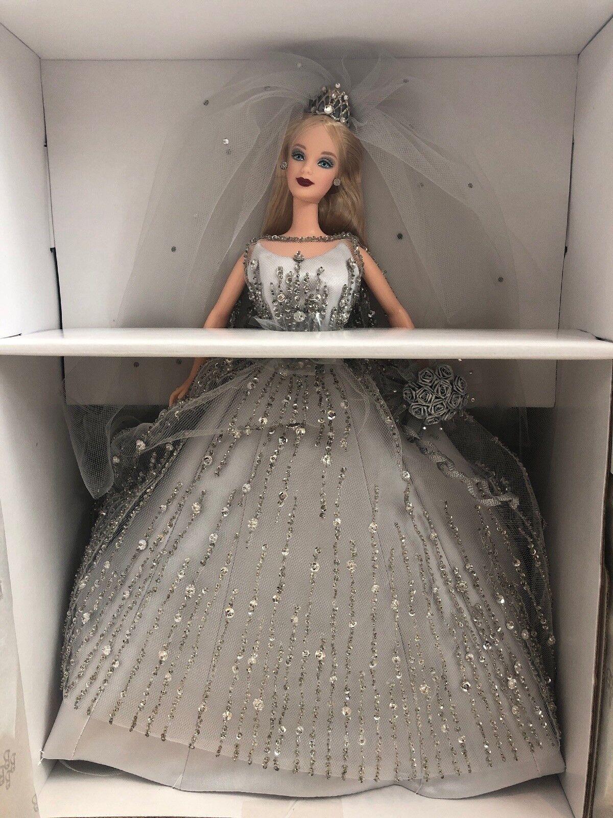 Colector de novia del milenio 2000 Muñeca Barbie swarovkski Cristales + cargador nuevo nunca quitado de la caja