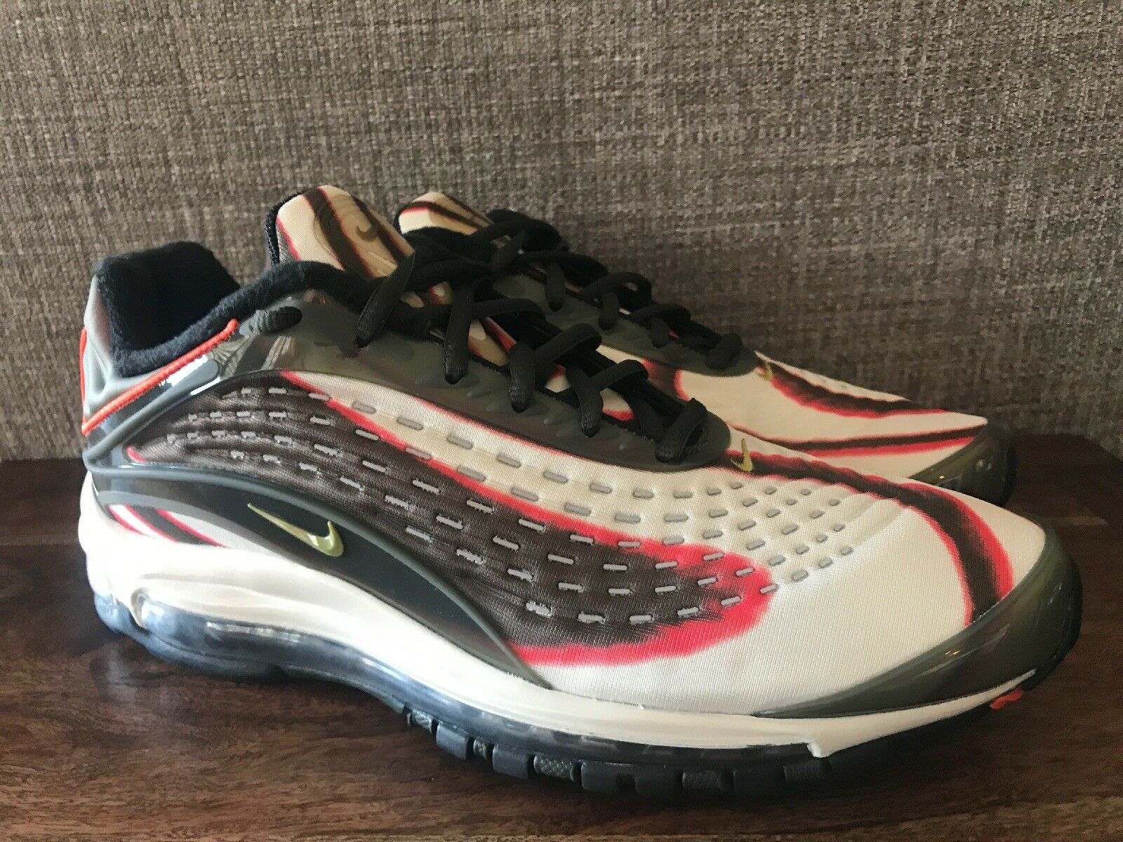 Nike Men's Air Max Deluxe 2018 Sequoia Running shoes Olive Size 9.5 AJ7831-300