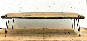 Table Basse En Bois Massif Trace De Patine Piétement Postérieur . Xx Siècle . Les Catalogues Seront EnvoyéS Sur Demande