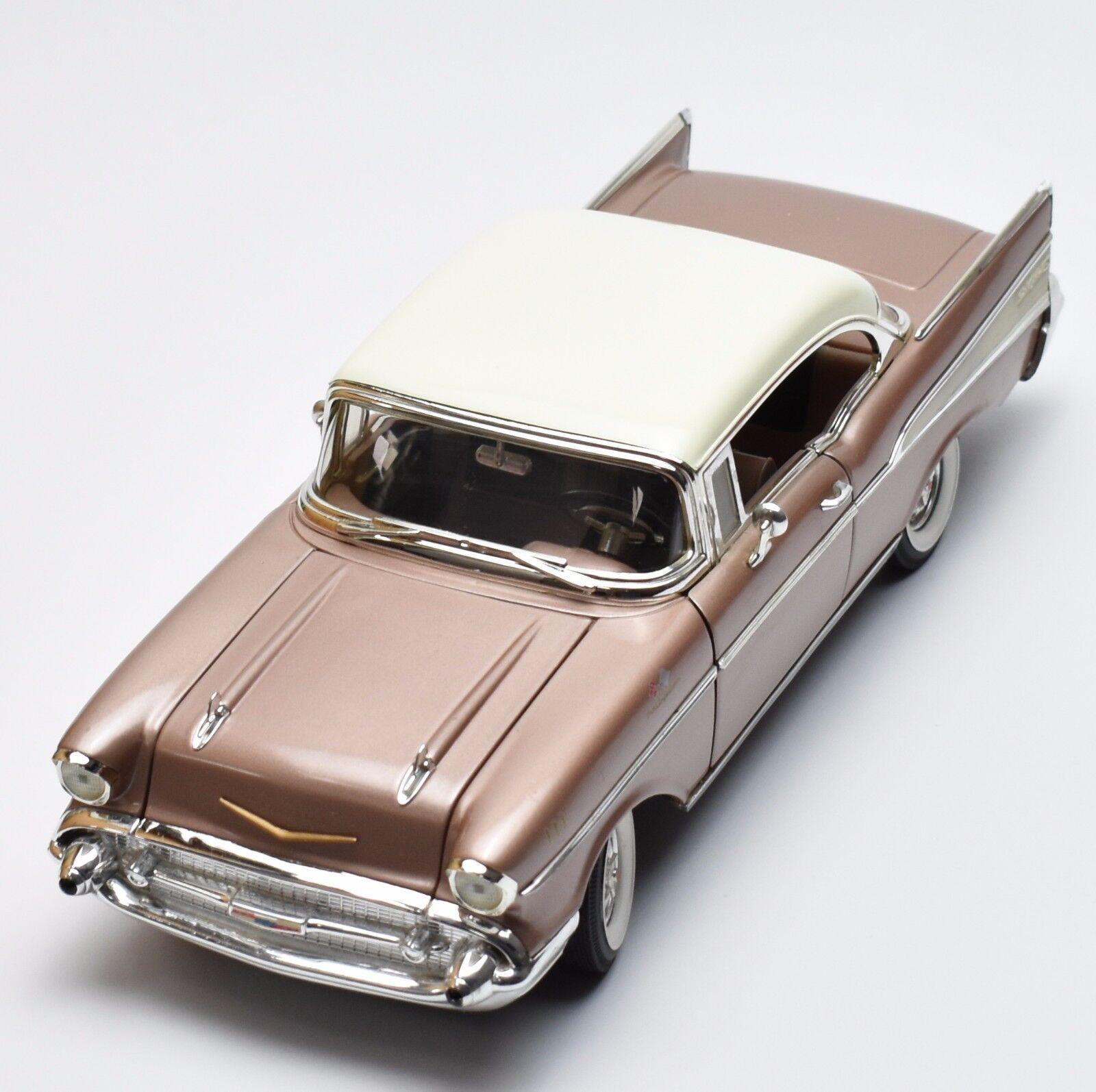 Ertl 7900 clásico Chevrolet Bel Air Sport Coupe año de construcción 1957, OVP, 1 18, k037