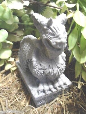 Latex only chinese gargoyle dragon on base mold plaster concrete mold