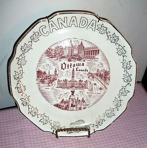 OTTAWA CANADA COLLECTIBLE PLATE 22k Gold Trimmed Souvenir, Vintage plate