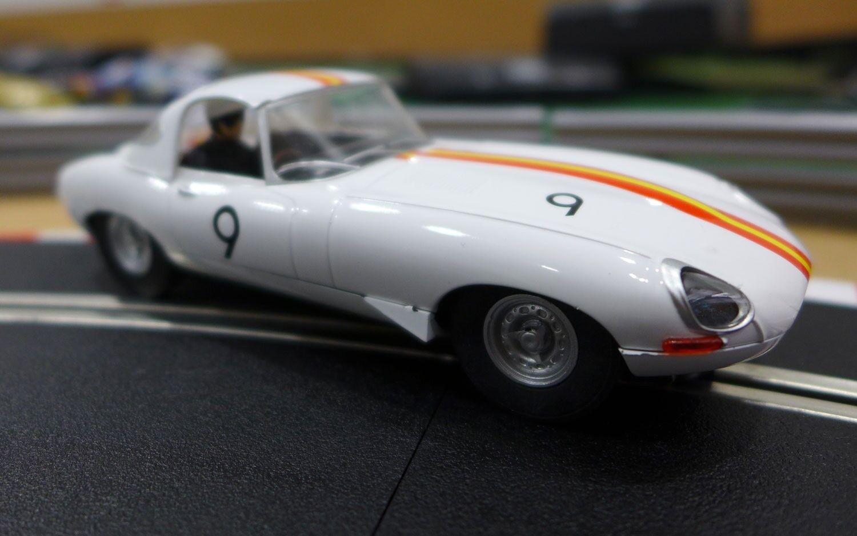 SCALEXTRIC C3890 Jaguar E-Type 1965 Bathurst No.9 Bob Jane BRAND NEW