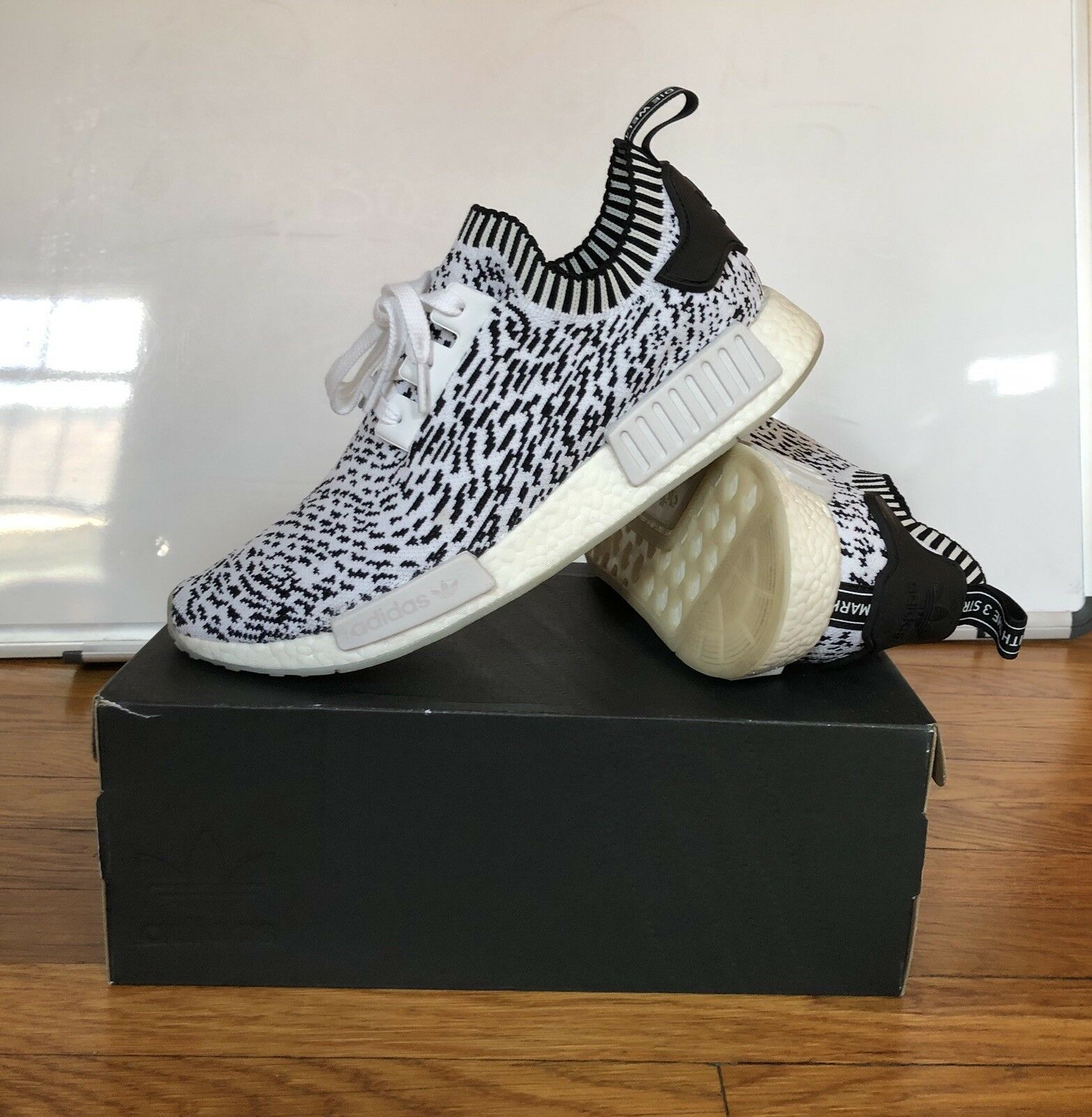 Adidas Originals NMD R1 Trefoil Sashiko Pack White With Black Striped 11.5  Trefoil R1 Yeezy ee4cb0 cafc31191