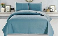 Jasmine Collection 3-piece Reversible Quilt Set With Shams