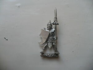 Citadel-Warhammer-classic-80s-Reg-of-Renown-RR13-Lothern-Elf-City-Guard-Trooper