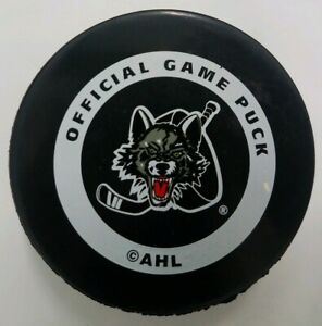 CHICAGO-WOLVES-AHL-INGLASCO-MADE-IN-CANADA-OFFICIAL-GAME-PUCK-VINTAGE