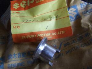 Suzuki-GT750-GT-750-Water-Pump-Sealing-seat-17476-31000-New-NOS