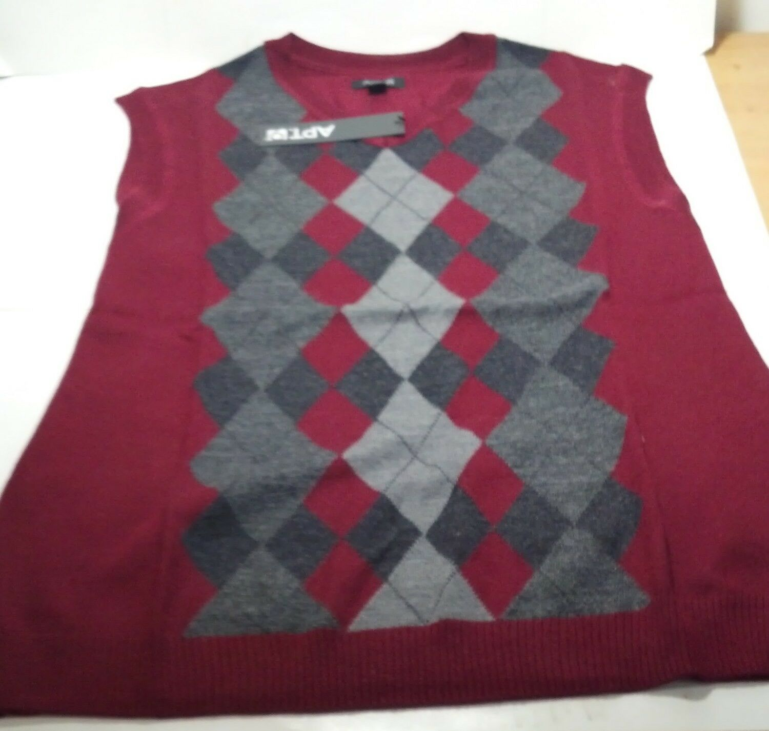 Apt. 9 Sweater Sweater Sweater Argyle style vests lot of 3 small 2f6f14