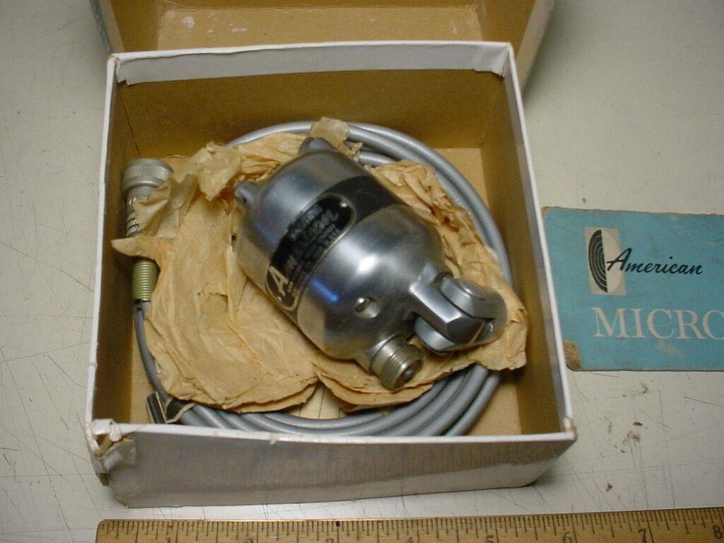 American Microphone D4T vintage dynamic microphone