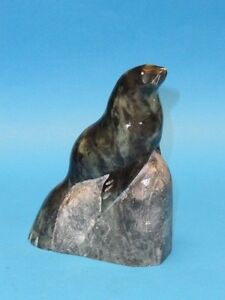 INUIT-SIGNED-034-R-POWERS-034-ESKIMO-STONE-CARVING-SEAL-ON-ROCK-SCULPTURE-5-75-034