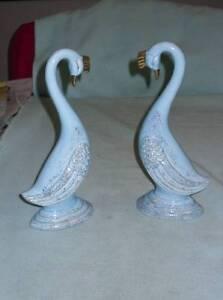 Vintage-Beautiful-Realistic-Exotic-Bird-Figurines-Porcelain-Blue-Gold-Trim