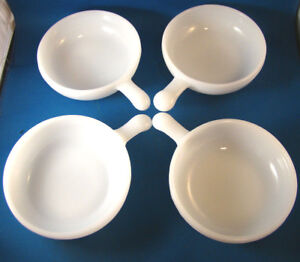 Set-of-4-Bowls-Glasbake-White-Milk-Glass-With-Handle-J2663-11-oz-Texture-19