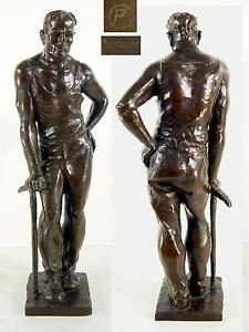 Bergmann-Bronzeskulptur-signiert-P-Giesserstempel-W-Fuessel-Berlin-H-46-cm