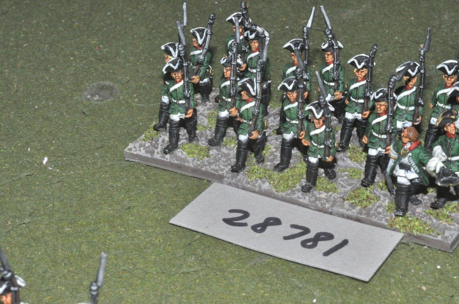25mm 7YW   russian - regt. 18 figures - inf (28781)