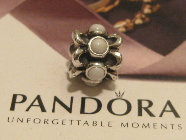 AUTHENTIC PANDORA FORGET-ME-NOT SILVER & WHITE AGATE CHARM - 790470AGW