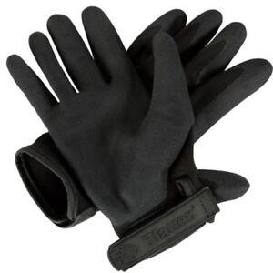 Blauer-Clutch-Gloves-in-black-limited-sizes