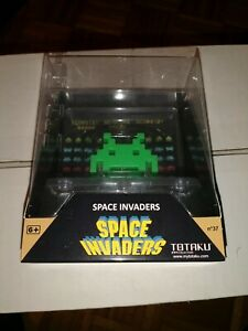 Totaku Collection No. 37 Space Invaders Green retro toy first edition