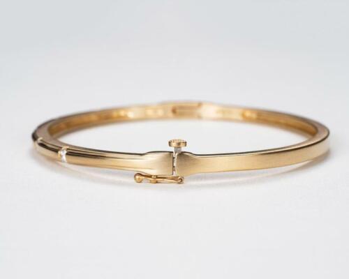 14K Yellow Gold Finish 0.25CT Round Cut Diamond Pretty Bangle Bracelet For Gift
