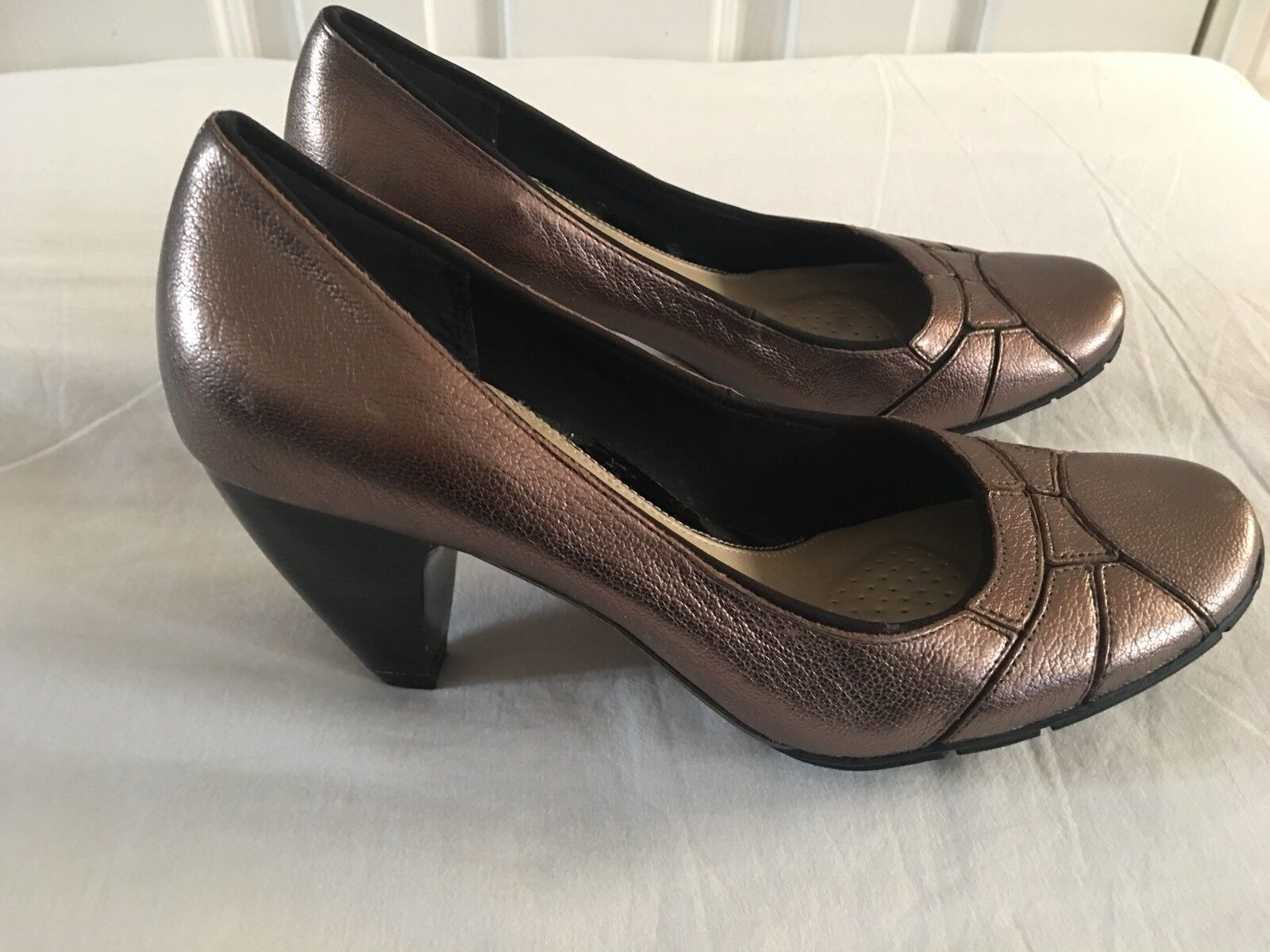 Clarks Softwear 360 degrees Bronze Metallic Leather Cone Heels size UK 4.5 New