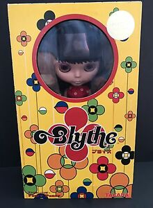 BLYTHE-NEO-FANCY-PANSY-TOYS-R-US-EXCLUSIVE-TAKARA-NRFB-MINT-LIMITED-EDITION-2003
