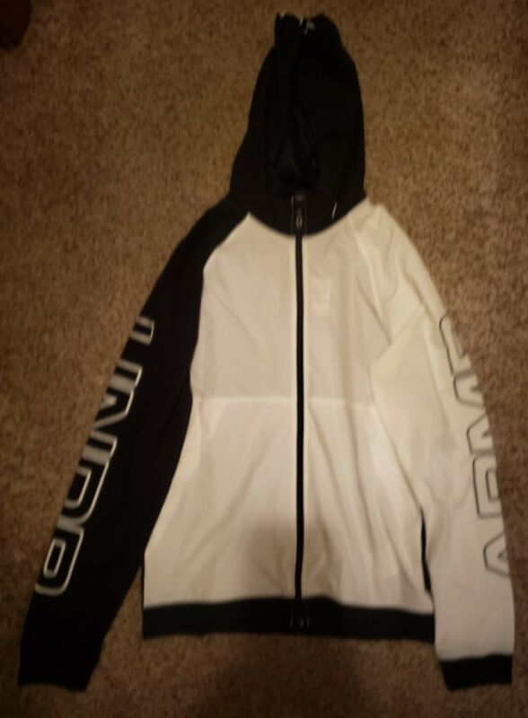 Womans Under Armour Jacket, Size S, White/black Be Shrewd In Money Matters