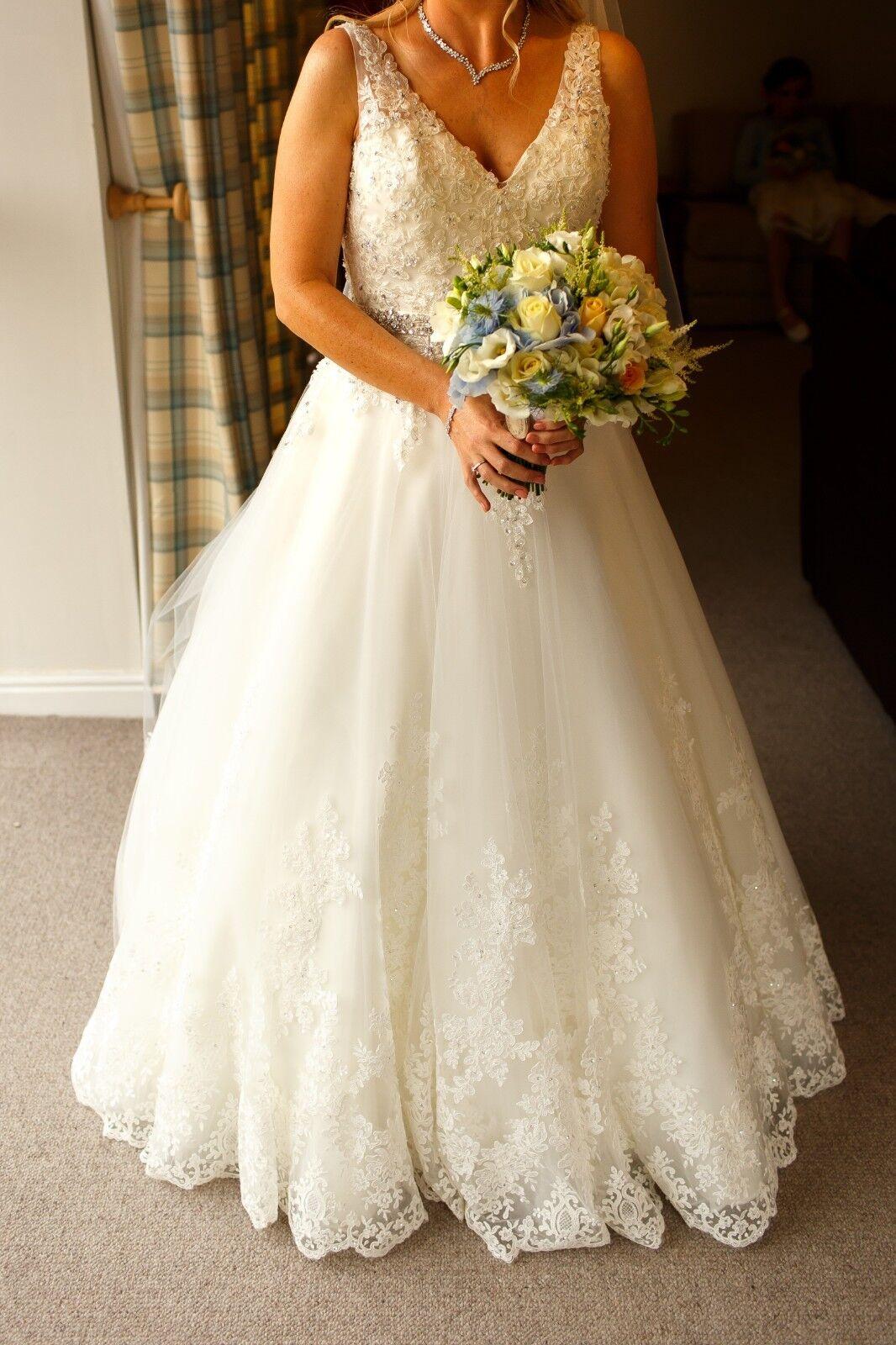 Morilee wedding dress 2821. Size 10. Worn once.