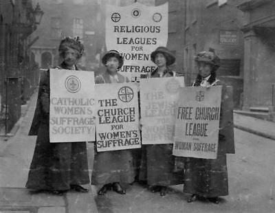 Church League Photo Women/'s Suffrage 1913-4