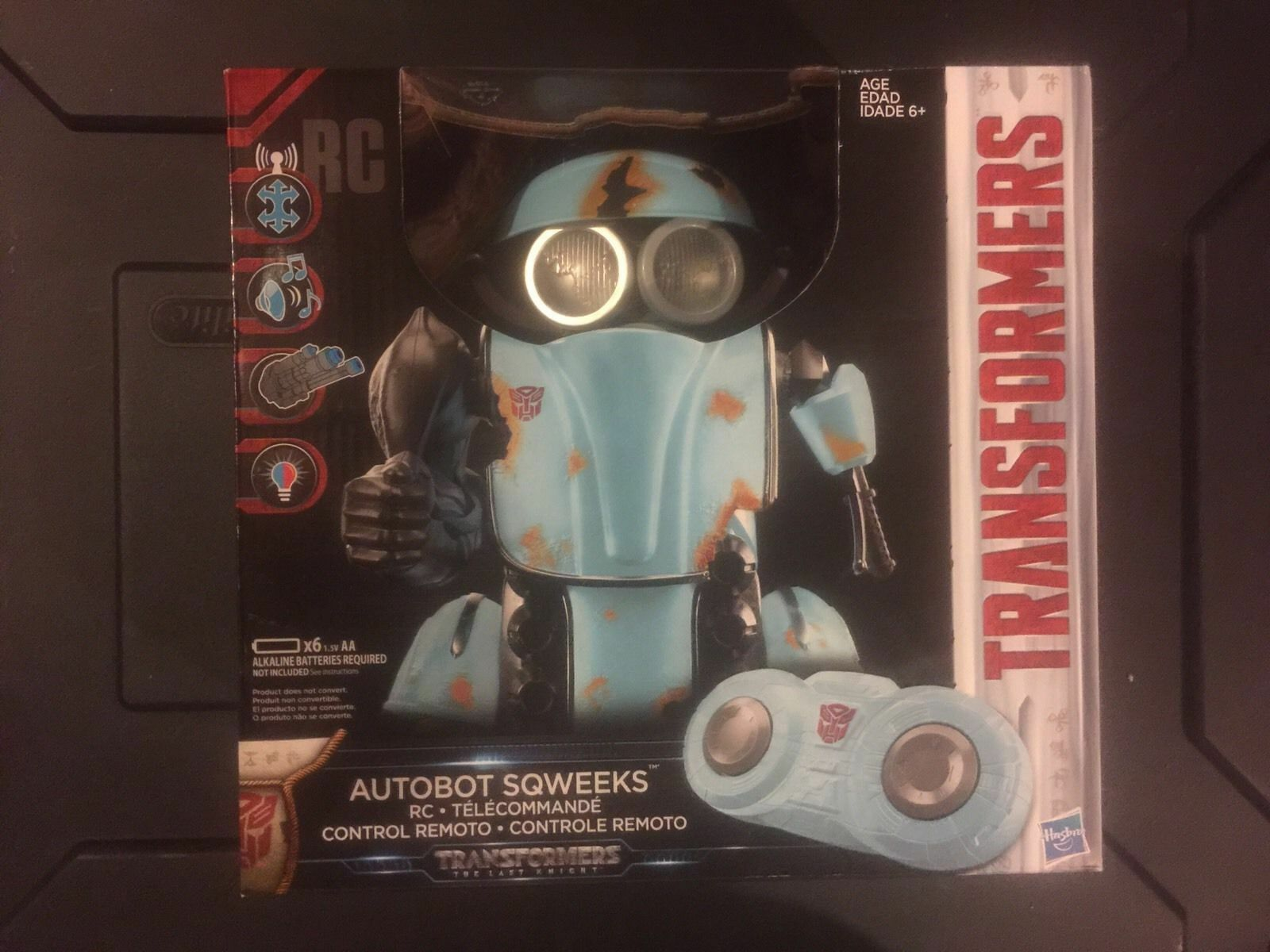 NEW SEALED Transformers The Last Knight Autobot Sqweeks RC Remote Control Robot