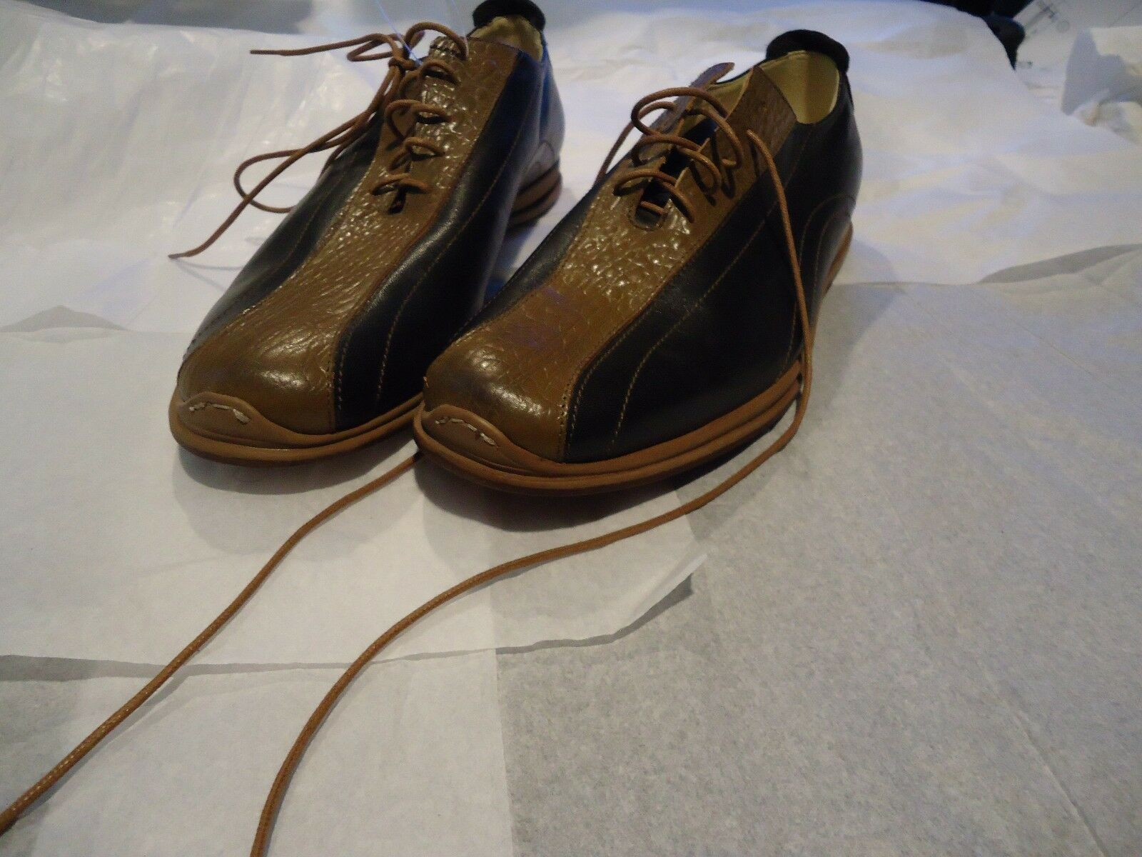 DESIGNER  MESSORI  ITALY LEATHER SHOES,  SIZE EU-42, US-9 1 2 -10.STUNNING