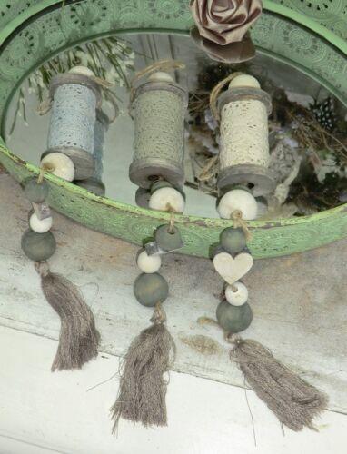 Holzspule mit Spitze an Kette Herz Kugeln Deko Shabby Chic Türkranz Landhaus Tür