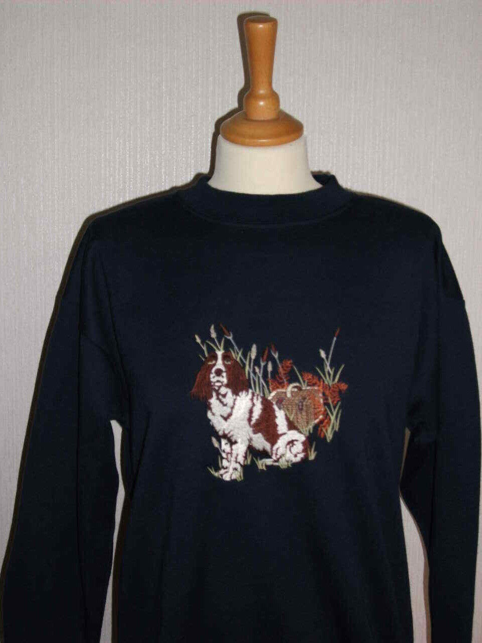 LADIES SWEATSHIRT,JUMPER,TOP WITH AN EMBROIDERED SPANIEL DOG DESIGN NAVY GREEN