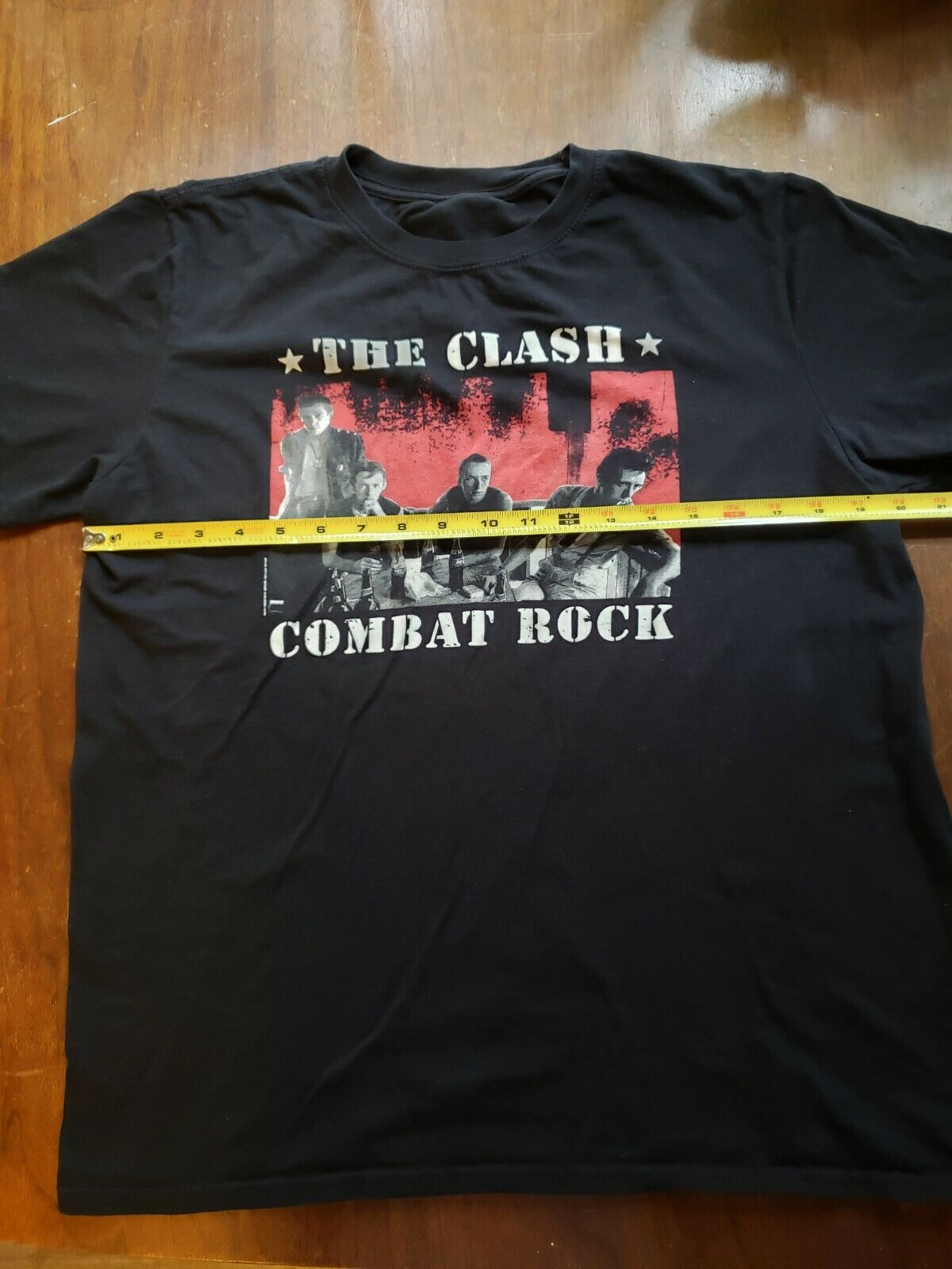 The Clash Graphic Band T Mens Large Black Shirt - image 3
