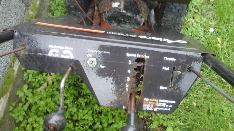 Snerydningsmaskiner, Ahens st 824