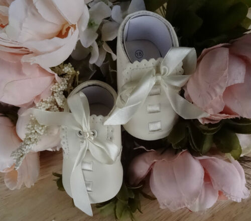 Baby WHITE CREAM BLUE PINK Soft Sole Pram Shoes Ribbon Christening 0-3-6-12 mth