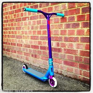 Blunt-Bubblelicious-V2-Custom-Stunt-Scooter