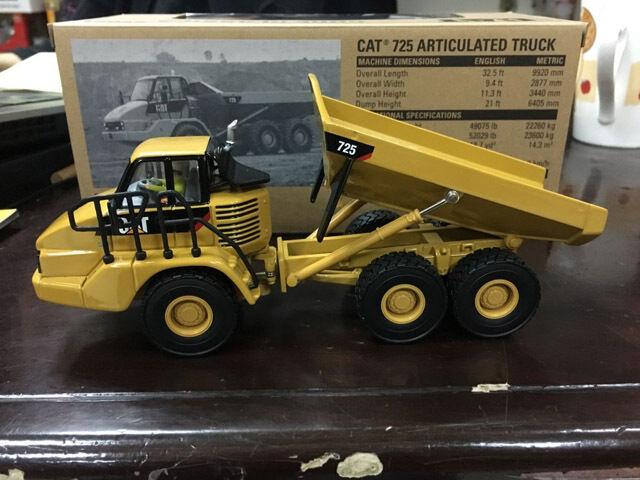 Caterpillar CAT 725 Camiones Articulados Escala 1 50 Diecast de maestros DM85073