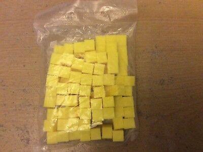 100 Giallo, Un Centimetro, Cubetti Di Plastica, Per Il Conteggio, Matematica.-mostra Il Titolo Originale