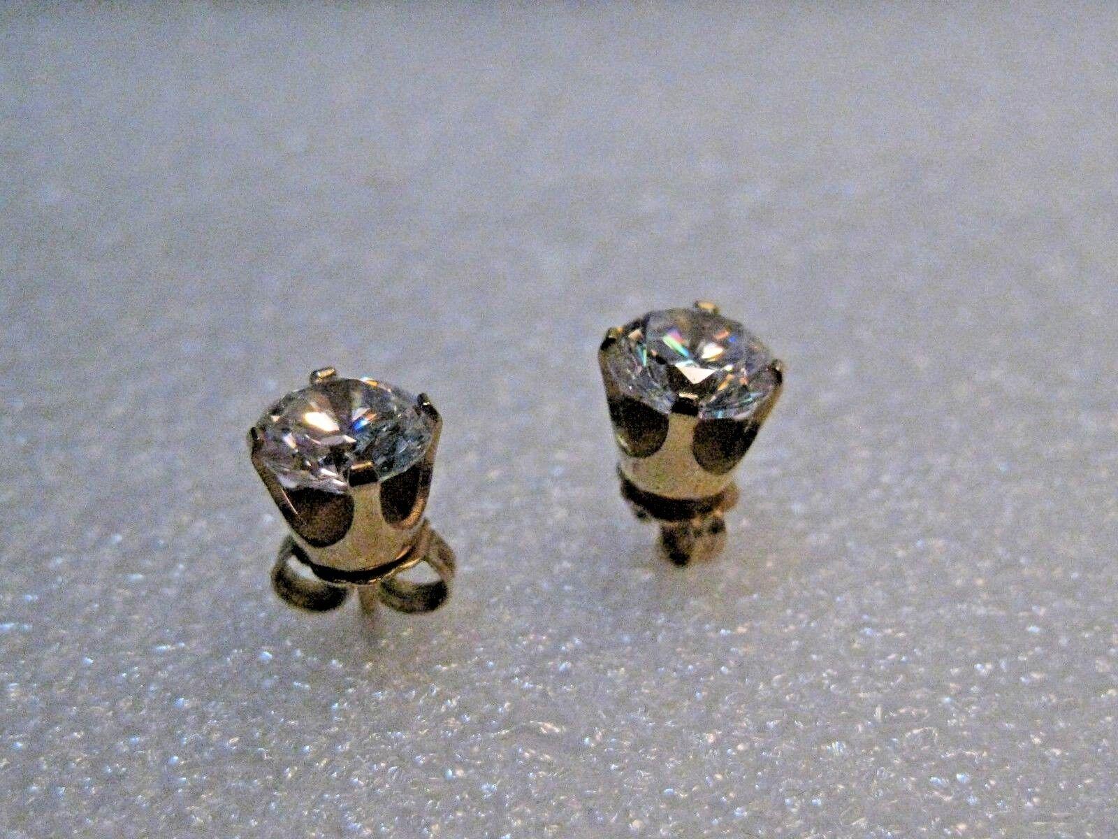 14kt Solid gold CZ Stud Earrings, Pierced, 6mm, 1.56 grams