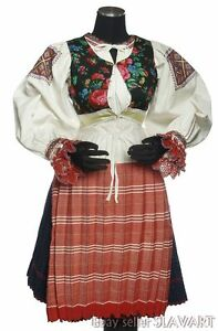 SLOVAK-FOLK-COSTUME-embroidered-blouse-blueprint-skirt-apron-Polomka-Zavadka
