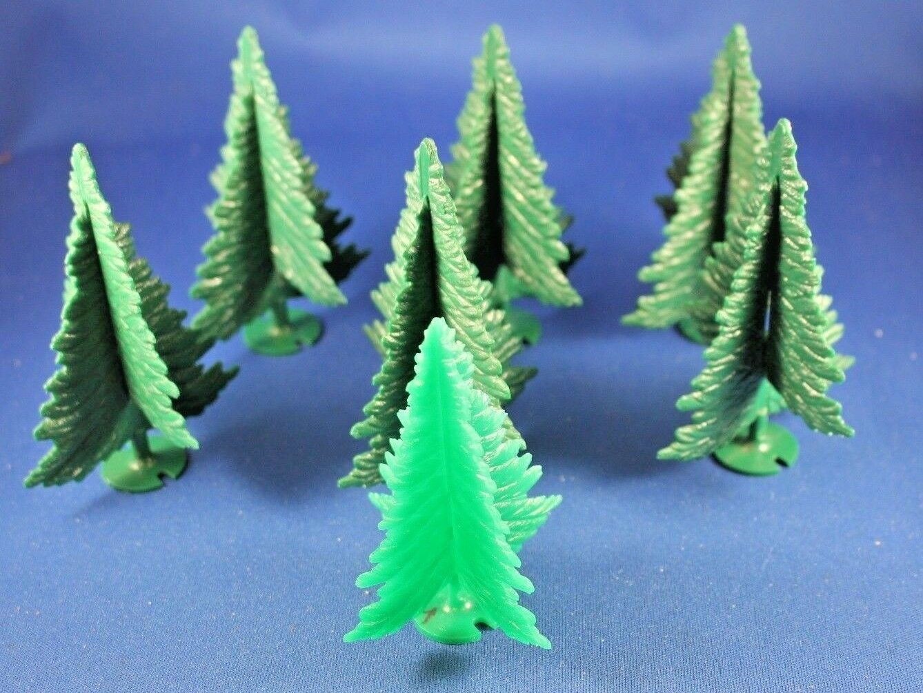 Plasticville - O-O27 -  TR-6 Spruce Trees (6) DARK Green - Excellent+++