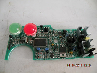 QTY 2 DIALCO 181-8836-09-553 BASE /& GREEN NEON INDICATOR LIGHT ASSEMBLY 2E3581-2