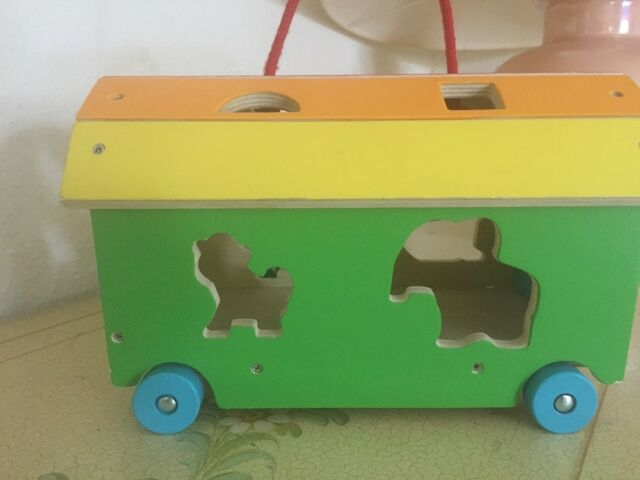Zoowagen aus incl.. 5 x Holzsteck Zoo Tiere, Euro 9,99